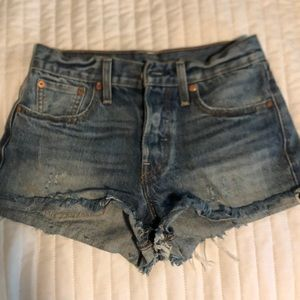 Levi's wedgie fit jean shorts